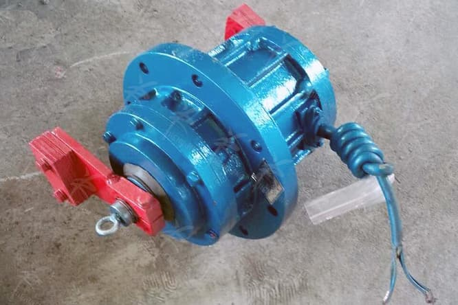 rotary vibrating screen motor